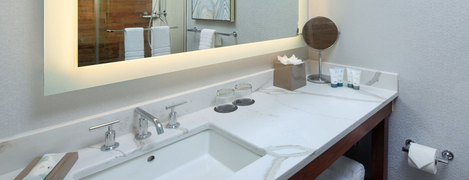 The Westin San Francisco Airport Hotel – Executive Suite Bathroom